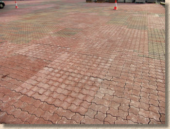 machine lay interlock paving