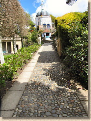 cobbles at portmeirion