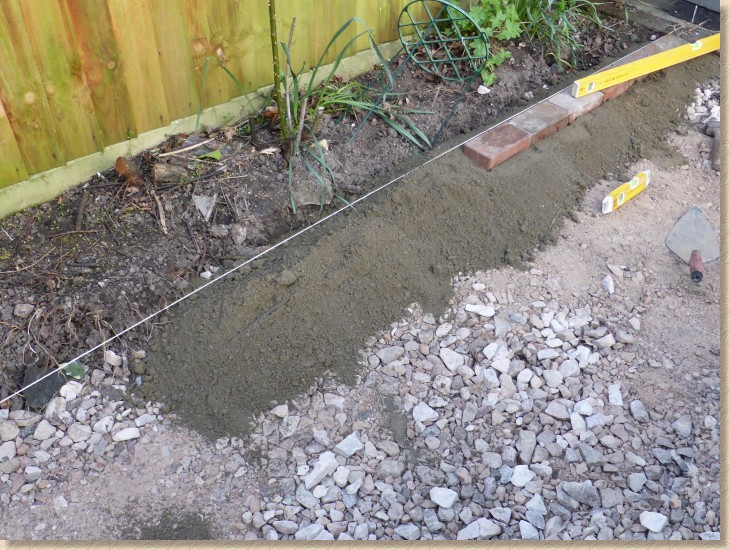 Laying A Brick Edge Course Pavingexpert, How To Lay Brick Pavers Garden Edging