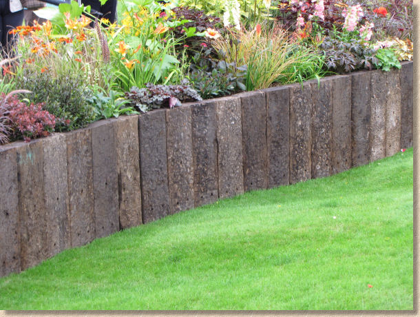 front yard ideas: Garden designs railway sleepers