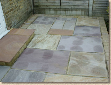 staining of indian sandstone
