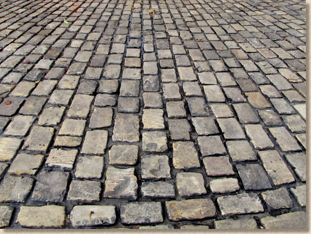 pitch jointed reclaimed gritstone setts