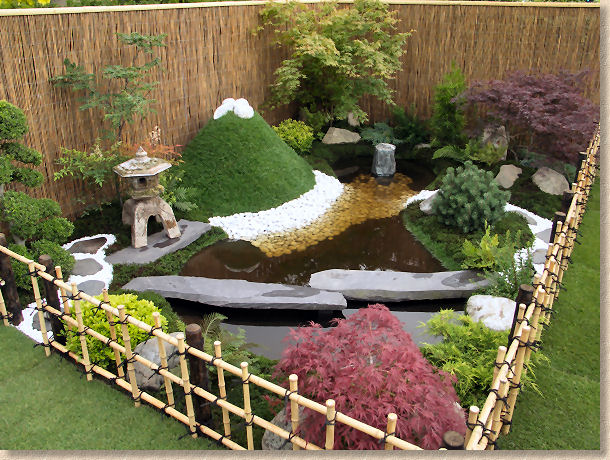 Small backyard japanese garden pictures 2017 2018 best for Creating a japanese garden in a small space