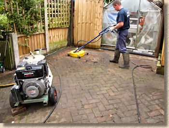 driveway cleaning machine