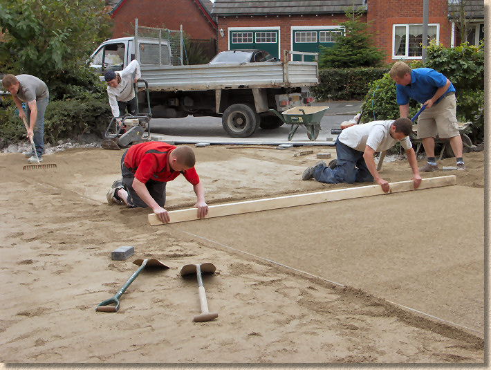 five man screed team
