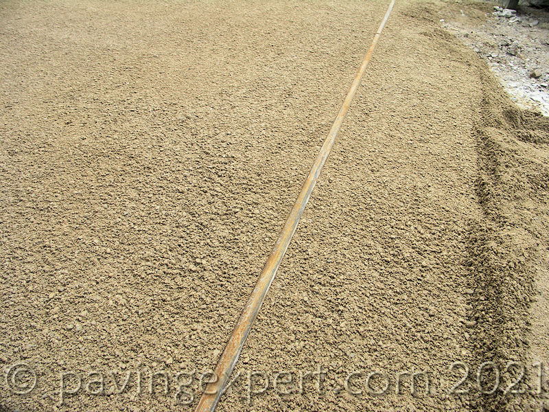 square section screed rail