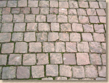 setts at hampton court