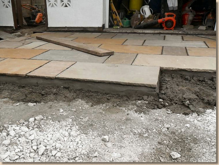 flagstone driveway by Dempsey Paving