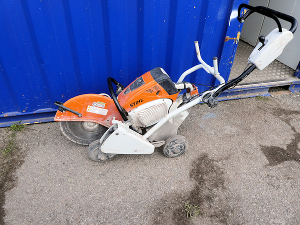 cart mounted saw