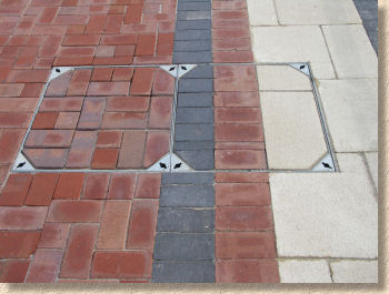 mixed paving in 2 part tray
