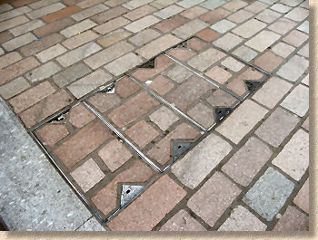 recess tray with granite setts